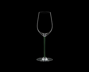 RIEDEL Fatto A Mano Riesling/Zinfandel Green R.Q. on a black background