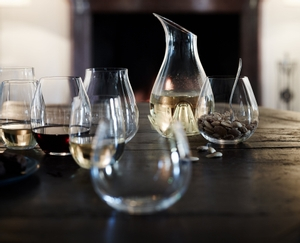 RIEDEL Restaurant O Oaked Chardonnay in use