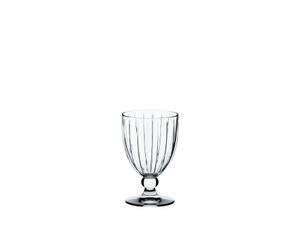 RIEDEL Sunshine Restaurant All Purpose Glass sur fond blanc