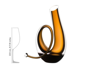 RIEDEL Decanter Horn in relation to another product