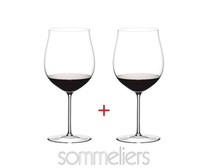 2 RIEDEL Sommeliers Burgundy Grand Cru Glasses filled with red wine