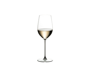 RIEDEL Veritas Restaurant Riesling/Zinfandel filled with a drink on a white background