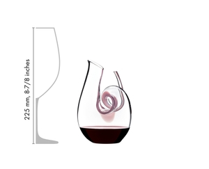 RIEDEL Decanter Curly Mini in relation to another product