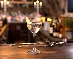 RIEDEL Drink Specific Glassware Nick & Nora en uso