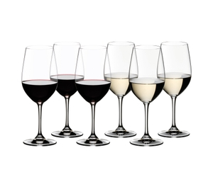 6 RIEDEL Vinum Riesling Grand Cru/Zinfandel glasses stand offset in 2 rows side by side on a white background. The first three wine glasses are filled with red wine, the others are filled with white wine.