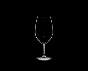RIEDEL Restaurant Syrah Pour Line ML on a black background