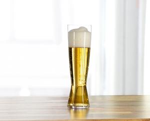 SPIEGELAU Beer Classics Tall Pilsner en uso