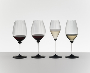 RIEDEL Fatto A Mano Performance Pinot Noir Black Base in the group
