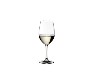 RIEDEL Vinum Daiginjo filled with a drink on a white background