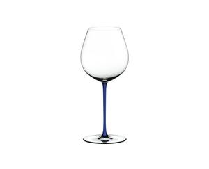 RIEDEL Fatto A Mano Pinot Noir Dark Blue R.Q. on a white background