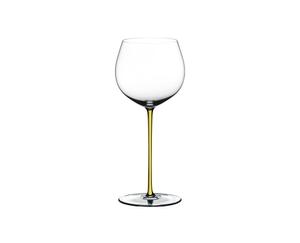 RIEDEL Fatto A Mano Chardonnay (im Fass gereift) Gelb R.Q. auf weißem Hintergrund