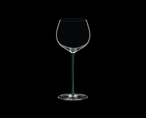 RIEDEL Fatto A Mano Chardonnay (im Fass gereift) Grün R.Q. auf schwarzem Hintergrund