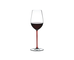 RIEDEL Fatto A Mano Riesling/Zinfandel Red R.Q. filled with a drink on a white background