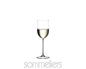 RIEDEL Sommeliers Rheingau gefüllt mit einem Getränk auf weißem Hintergrund