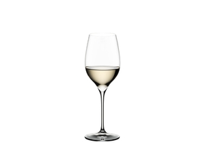RIEDEL Grape@RIEDEL Riesling/Sauvignon Blanc filled with a drink on a white background