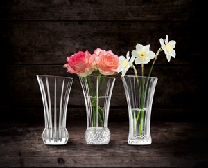 NACHTMANN Spring Vases in use