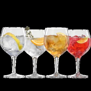 SPIEGELAU Special Glasses Gin und Tonic gefüllt mit einem Getränk auf weißem Hintergrund