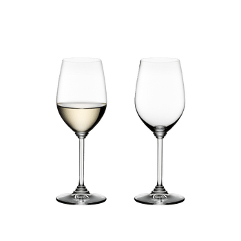 RIEDEL Wine Riesling/Zinfandel filled with a drink on a white background