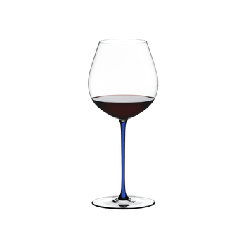 RIEDEL Fatto A Mano Pinot Noir Dark Blue filled with a drink on a white background