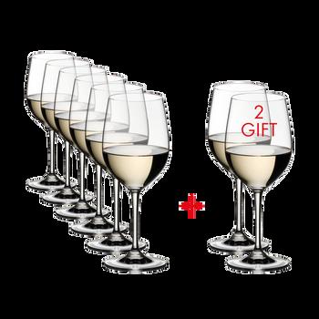RIEDEL Vinum Viognier/Chardonnay rempli avec une boisson sur fond blanc