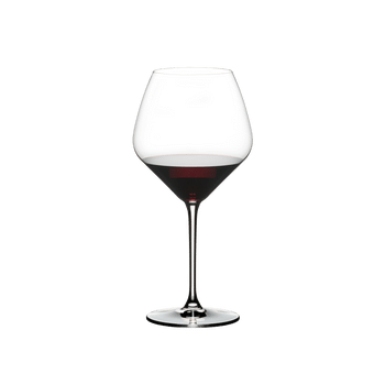 RIEDEL Extreme Restaurant Pinot Noir/Nebbiolo filled with a drink on a white background