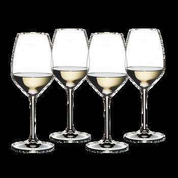 RIEDEL White Wine Set rempli avec une boisson sur fond blanc