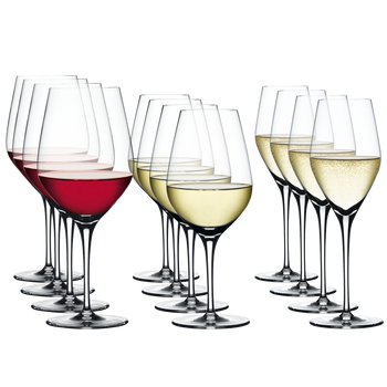 SPIEGELAU Authentis Glass Set filled with a drink on a white background