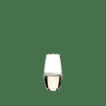 RIEDEL Restaurant O Champagnerglas gefüllt mit einem Getränk auf weißem Hintergrund