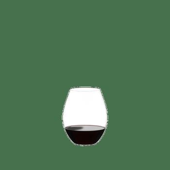 RIEDEL Degustazione O gefüllt mit einem Getränk auf weißem Hintergrund