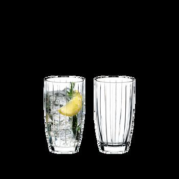 RIEDEL Sunshine Long Drink con bebida en un fondo blanco