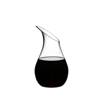 RIEDEL Decanter O Single filled with a drink on a white background