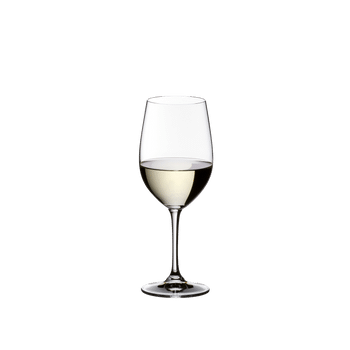 A RIEDEL Vinum Daiginjo glass filled with Daiginjo.