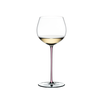 RIEDEL Fatto A Mano Oaked Chardonnay Pink filled with a drink on a white background