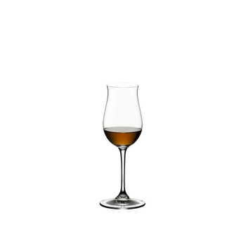 RIEDEL Bar Cognac filled with a drink on a white background