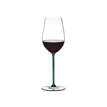 RIEDEL Fatto A Mano Riesling/Zinfandel Green filled with a drink on a white background
