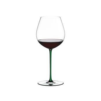 RIEDEL Fatto A Mano Pinot Noir Green R.Q. filled with a drink on a white background