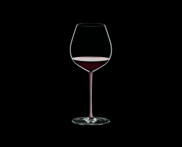 RIEDEL Fatto A Mano Pinot Noir Pink R.Q. filled with a drink on a black background