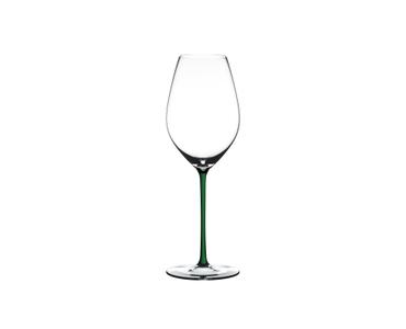 RIEDEL Fatto A Mano Champagne Wine Glass sur fond blanc
