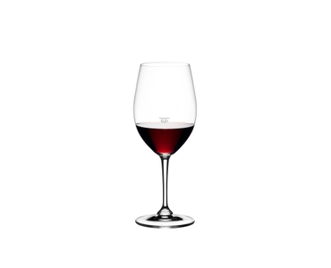 RIEDEL Degustazione Red Wine 0,1 l + 0,2 l filled with a drink on a white background