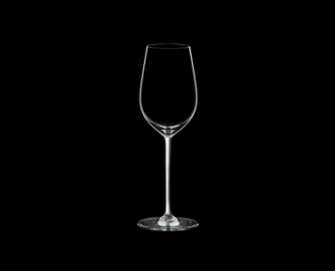 RIEDEL Fatto A Mano Riesling/Zinfandel White R.Q. on a black background