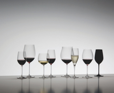 An unfilled RIEDEL Sommeliers Mature Bordeaux/Chablis/Chardonnay glass on white background with product dimensions