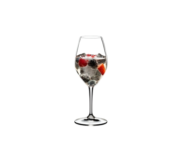 RIEDEL Mixing Champagne Set filled with a drink on a white background