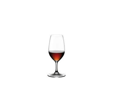 2 RIEDEL Vinum Port glasses side by side on white background. The glass on the left is filled with port wine, the other glass is empty.