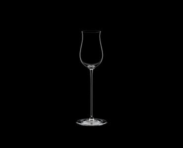RIEDEL Veritas Restaurant Spirituosen auf schwarzem Hintergrund