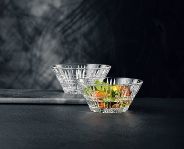 NACHTMANN Square Bowl 15cm/5.9in in use