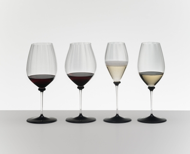 RIEDEL Fatto A Mano Performance Champagne Glass Black Base in the group