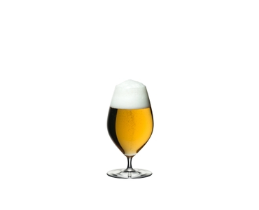 RIEDEL Veritas Restaurant Beer filled with a drink on a white background