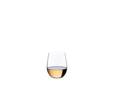 RIEDEL Restaurant O Viognier/Chardonnay con bebida en un fondo blanco