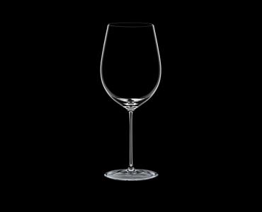 RIEDEL Sommeliers Bordeaux Grand Cru R.Q. 4er-Set auf schwarzem Hintergrund