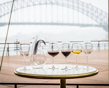 RIEDEL Veritas Oaked Chardonnay in use